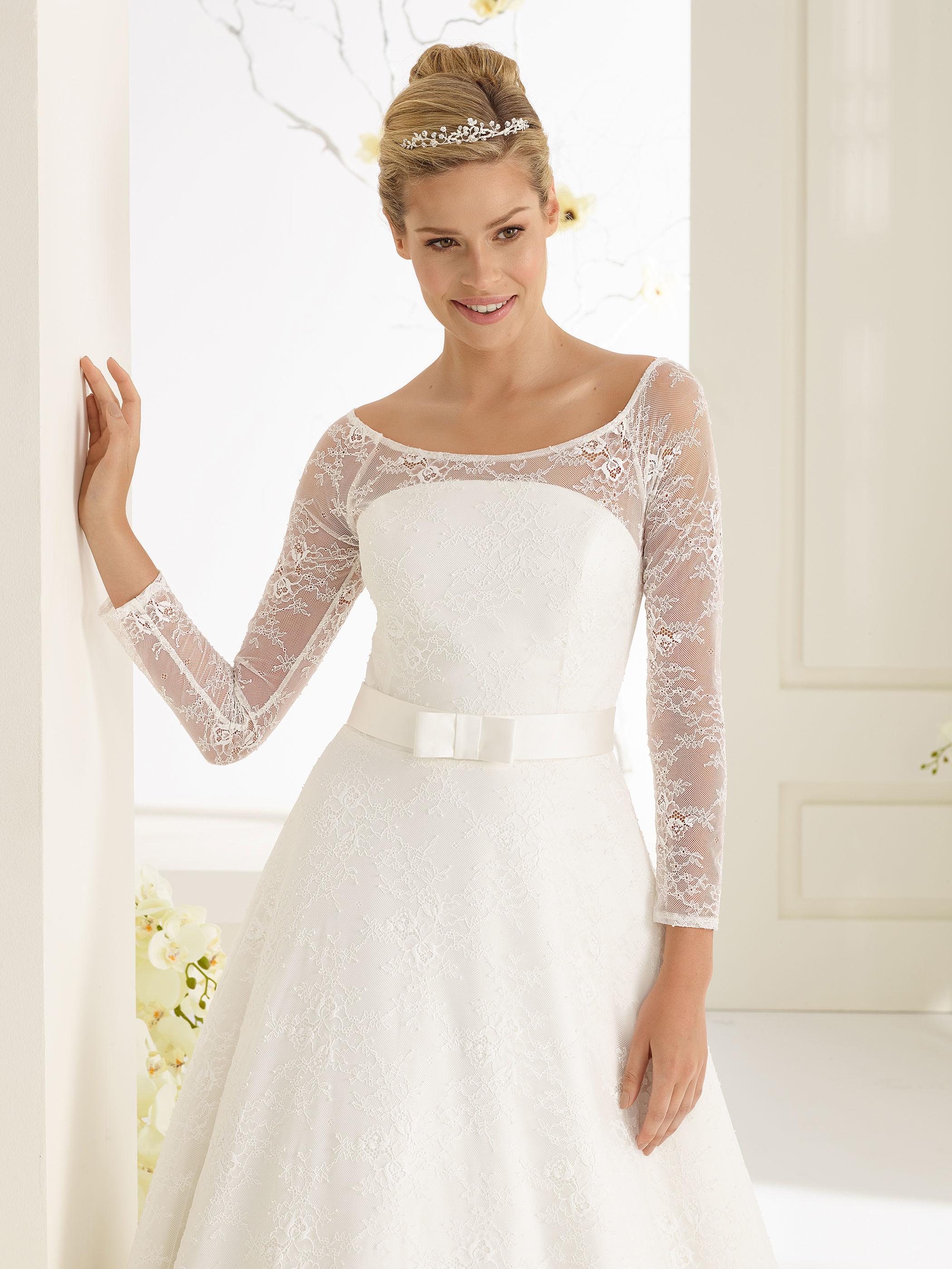 Edles Brautkleid mit langen Ärmeln  Samyra Fashion