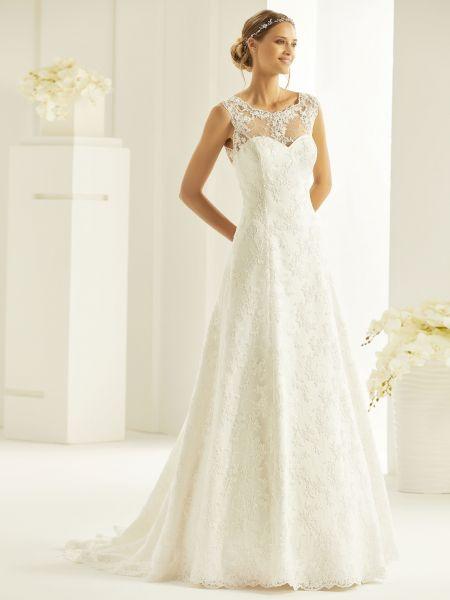 Das geschlossene Brautkleid Sabrina (elfenbeinfarben)