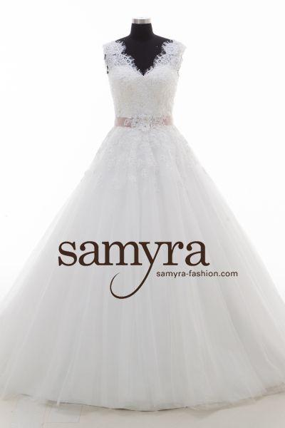 Brautkleid Saskia mit V-Ausschnitt (elfenbeinfarben)