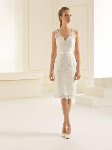 Brautkleid Evita aus hochwertiger Spitze (elfenbeinfarben)