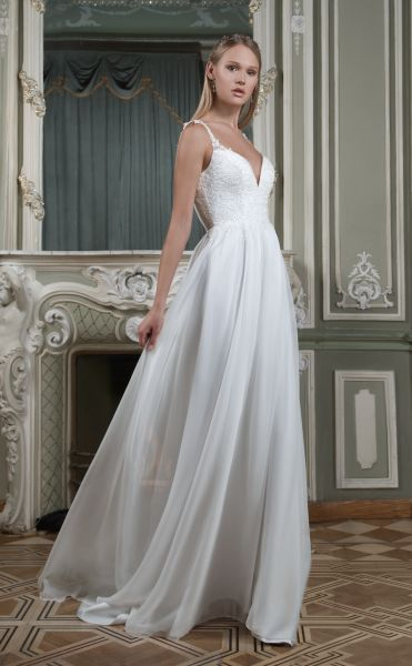 Brautkleid Delia mit Spitze verziert